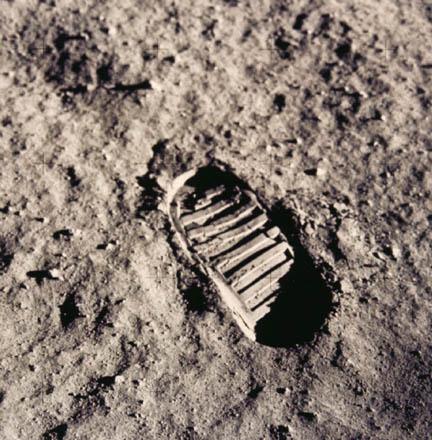 Huella de Neil Armstrong en laluna